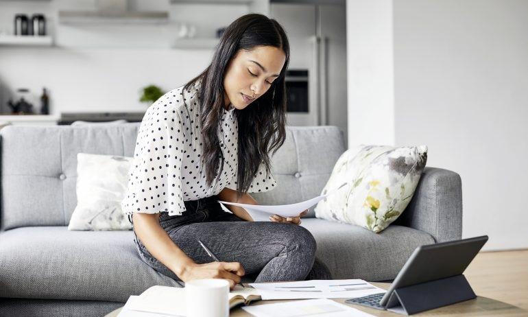 Sådan investerer du penge: Investeringsguide for begyndere